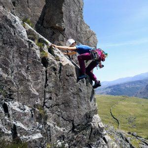 Hannah Hetherington multipitch trad climbing LAKES