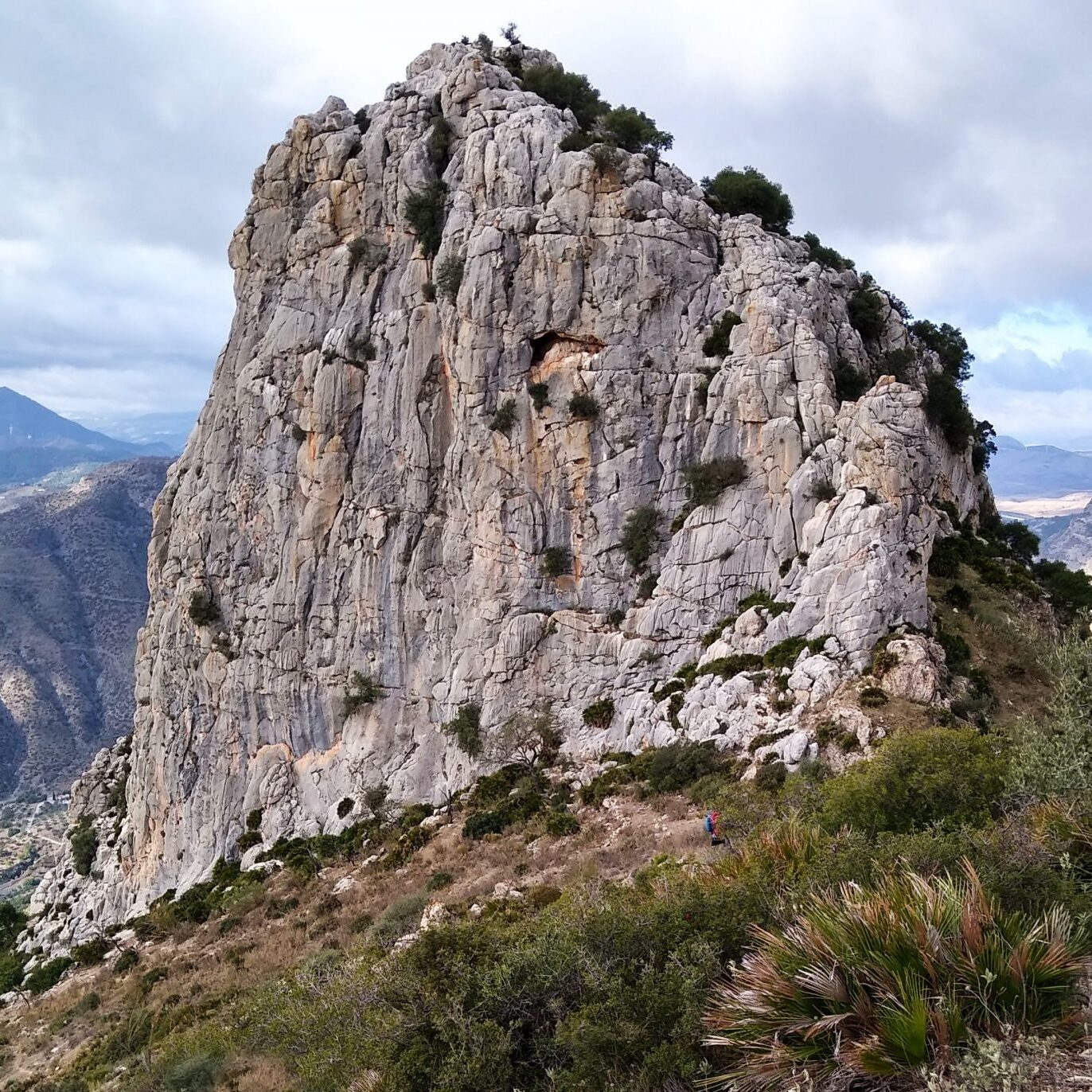 Romsey Climbers - Coral East, El Chorro, multipitch sport climbing